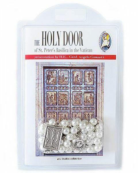 Imagen de The Holy Door of St. Peter's Basilica in the Vatican