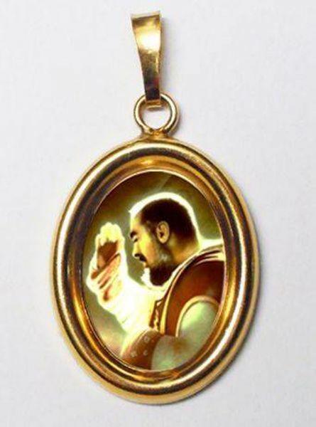 Immagine di Padre Pio da Pietrelcina Ciondolo Pendente ovale mm 19x24 (0,75x0,95 inch) Argento placcato Oro e Porcellana Unisex Uomo Donna