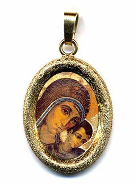 Picture of Virgen Mary with Child by Kiko Gold plated Silver and Porcelain diamond-cut oval Pendant mm 19x24 (0,75x0,95 inch) Unisex Woman Man