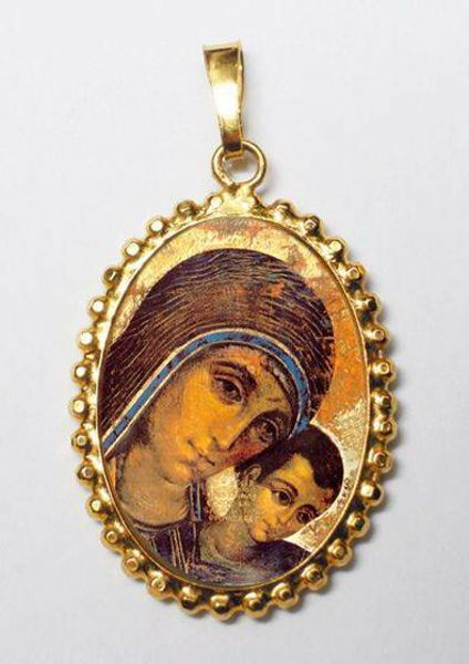 Picture of Virgen Mary with Child by Kiko Gold plated Silver and Porcelain Pendant with crown frame mm 24x30 (0,94x1,18 inch) for Woman