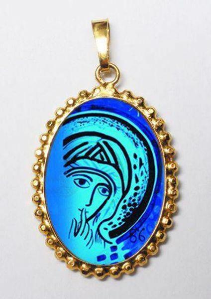 Imagen de Nuestra Señora del Silencio de Kiko Medalla colgante oval de corona mm 24x30 (0,94x1,18 inch) Plata con baño de oro y Porcelana para Mujer