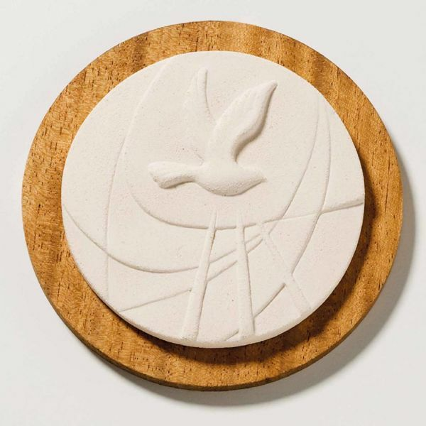 Picture of Tondo Confirmation on wooden board cm 14 (5,5 inch) Sculpture in white refractory clay Ceramica Centro Ave Loppiano