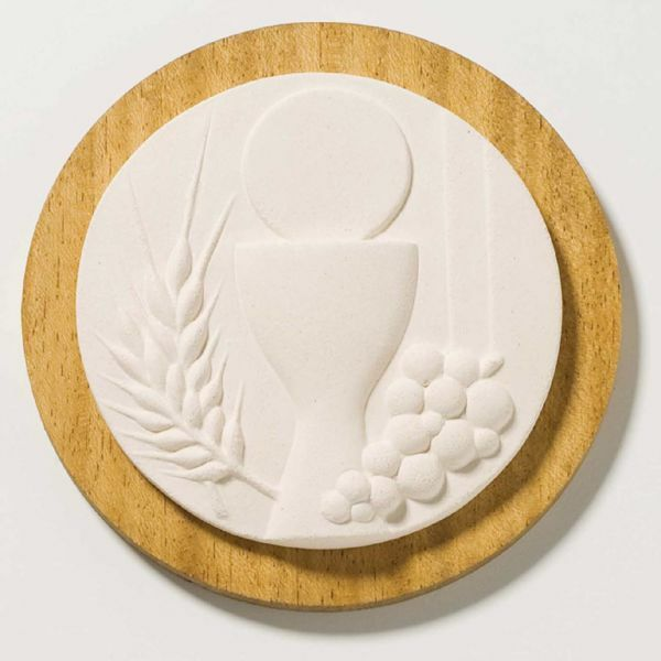 Picture of Tondo First Communion on wooden board cm 14 (5,5 inch) Sculpture in white refractory clay Ceramica Centro Ave Loppiano