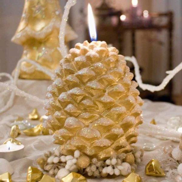 Picture of Christmas Candle Pine Cone, big