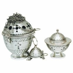 Picture of Thurible and incense Boat 4 chains H. cm 18 (7,1 inch) hammered brass liturgical Censer for Churches