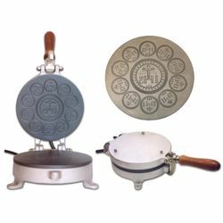 Picture of Altar Bread manual baking machine 1/10 small cast iron for Holy Mass Communion Hosts wafer