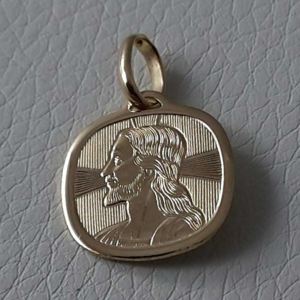 Picture of Jesus Christ with aureole Sacred Square Medal Pendant in bas-relief gr 1,65 Yellow Gold 18k for Man