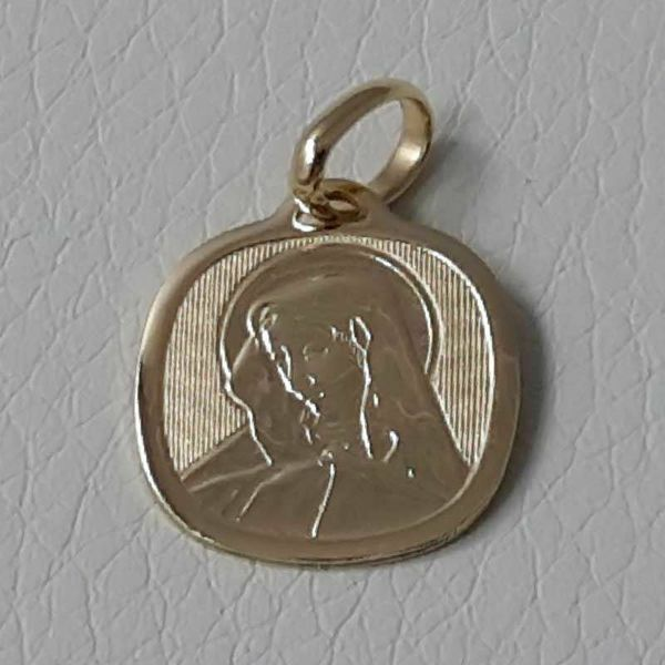 Picture of Madonna Our Lady of Sorrows Sacred Square Medal Pendant in bas-relief gr 1,65 Yellow Gold 18k for Woman