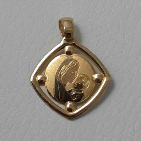 Imagen de Madonna Virgen con el Niño Medalla Sagrada Colgante cuadrada en bajorrelieve gr 1,2 Oro amarillo 18kt para Mujer