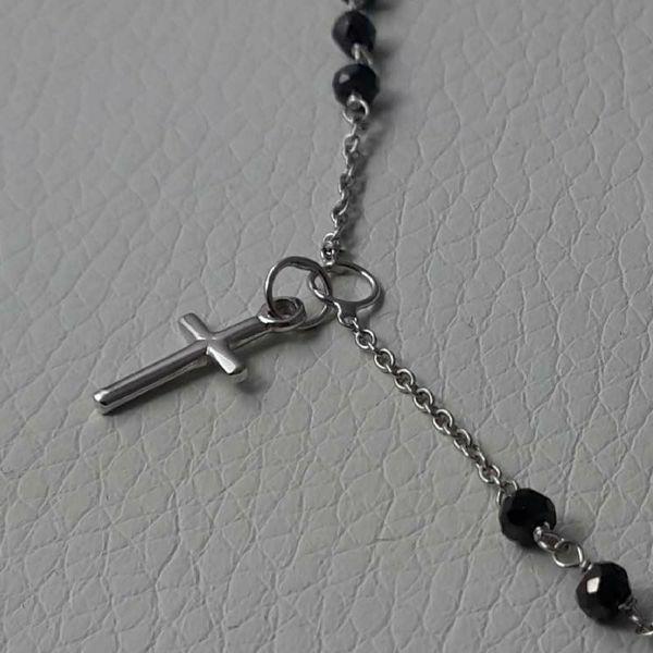 Imagen de Collar Rosario Cuello Redondo con Medalla Nuestra Señora Milagrosa y Cruz gr 4,6 Oro blanco 18kt con Onyx Unisex Mujer Hombre