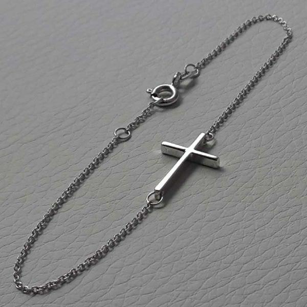 Immagine di Bracciale Moda con Croce dritta gr 1,4 Oro bianco 18kt da Donna