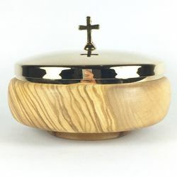 Picture of Lliturgical Paten Diam. cm 12 (4,7 inch) with Lid smooth Finish in Olive Wood of Assisi