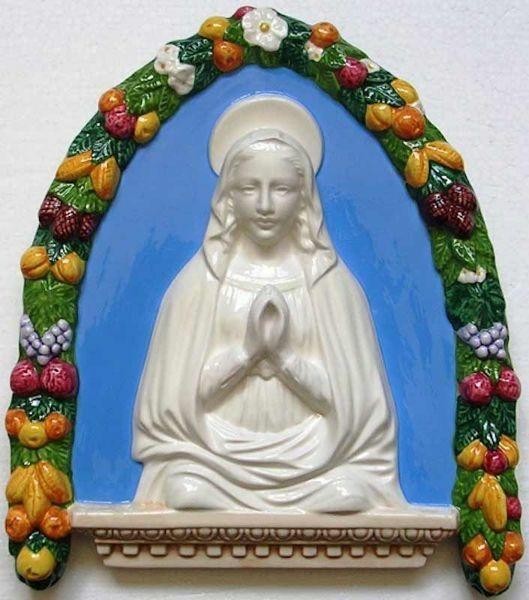 Imagen de Virgen orante Luneta de pared cm 35x30 (13,8x11,8 in) Bajorrelieve Cerámica Della Robbia