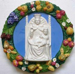 Imagen de Santa Maria de la Ayuda Tondo de pared diám. cm 38 (15 in) Bajorrelieve Mayólica Robbiana