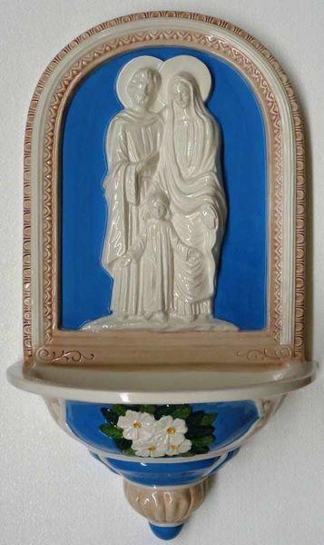 Imagen de Sagrada Familia y Flores Pila de Agua Bendita cm 59x36x20 (23,2x14,2x7,9 in) Bajorrelieve Cerámica Della Robbia