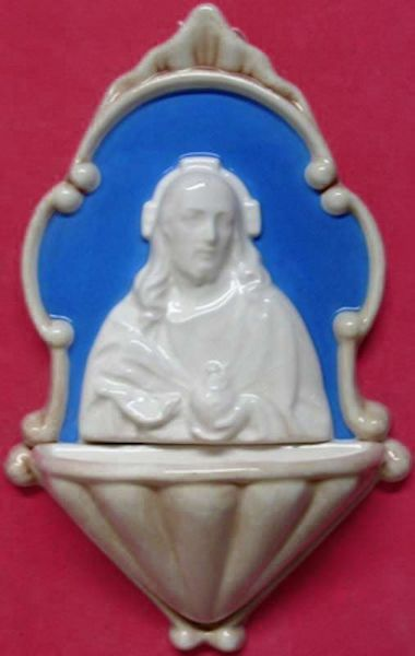 Picture of Sacred heart of Jesus Holy Water Stoup cm 20 (7,9 in) Bas relief Glazed Ceramic Della Robbia