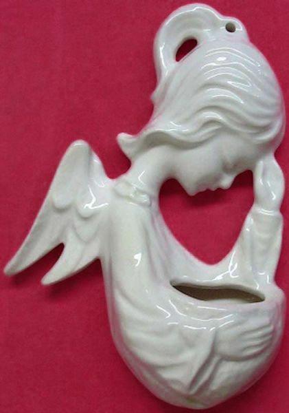 Immagine di Angelo in Preghiera Acquasantiera cm 15 (5,9 in) Ceramica invetriata dipinta a mano
