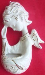 Picture of Praying Angel Holy Water Stoup cm 15 (5,9 in) White and Gold Glazed Ceramic