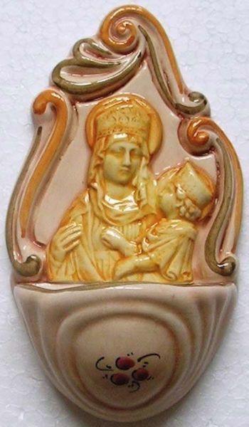 Immagine di Beata Vergine con Bambino e fiori Acquasantiera cm 14 (5,5 in) Ceramica invetriata dipinta a mano