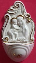 Picture of Madonna and Child Holy Water Stoup cm 14 (5,5 in) White and Gold Glazed Ceramic