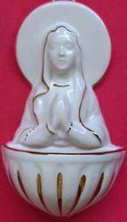 Imagen de Virgen orante Pila de Agua Bendita cm 15 (5,9 in) Cerámica vidriada Benditera Blanca y Oro