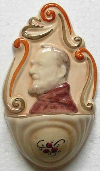 Picture of St. Padre Pio Holy Water Stoup cm 14 (5,5 in) Hand-painted Glazed Ceramic