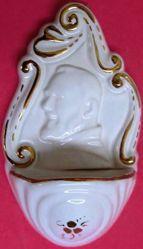 Imagen de San Padre Pío de Pietrelcina Pila de Agua Bendita cm 14 (5,5 in) Cerámica vidriada Benditera Blanca y Oro