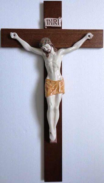 Imagen de Jesús Cristo en la cruz Crucifijo de Pared cm 80x45 (31,5x17,7 in) en Cerámica de Deruta (Italia) y Madera