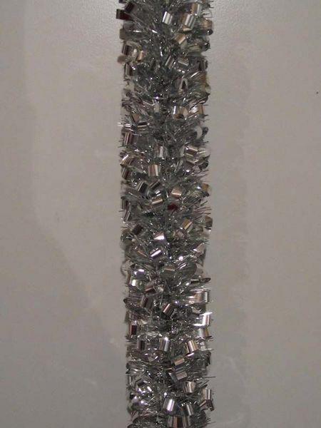 Immagine di Ghirlanda natalizia L. 10 m (395 inch), Diam. cm 8 (3,1 inch) argento in plastica PVC