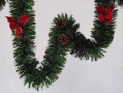 Immagine di Ghirlanda natalizia L. 5 m, diam. cm 15  in plastica PVC verde con stelle di Natale rosse e pigne naturali