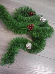 Picture of Christmas Garland L. 8 m (198 inch), diam. cm 8 (13,8 inch) green plastic PVC with red berries and white pine cones