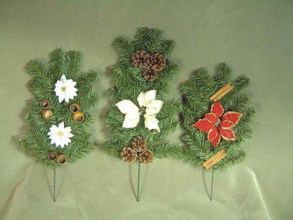 Imagen de Set 3 piezas Coronas de Navidad Rama de Pino cm 55 (21,7 inch) verde con adornos, flores y piñas en plástico PVC