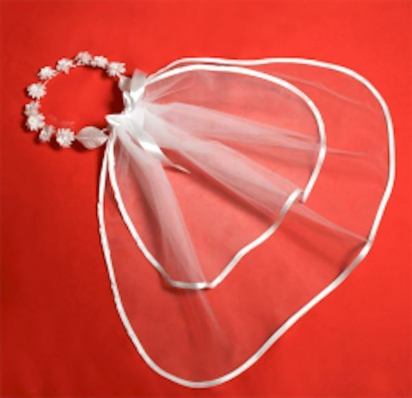 Picture of White crown with Tulle Veil for First Communion dress