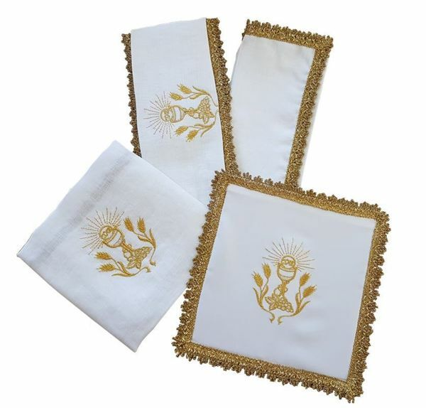 Picture of Sacramental Altar Linens Set Pure Linen White golden fringe Mass Cloths
