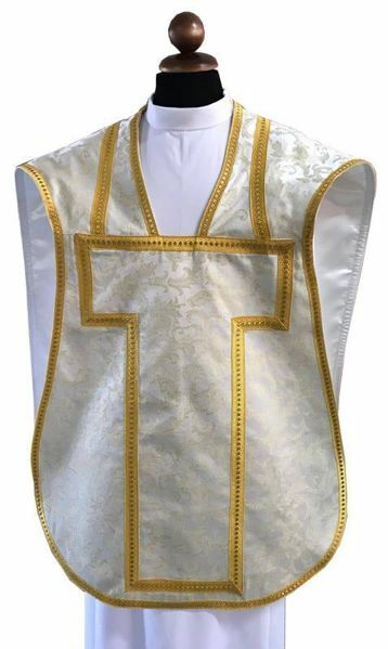 Picture of Fiddleback Roman Chasuble Clergy Planeta Damask 100% Polyester Vatican Fabric Gold Silver