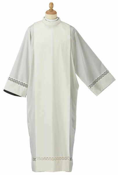 Picture of Liturgical Alb turned collar macramè shoulder Waves Cotton blend priestly Tunic Felisi 1911 Ivory