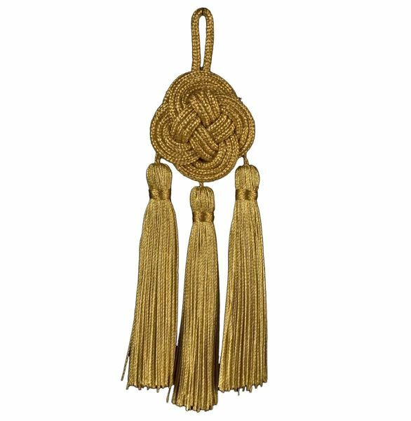 Picture of Tassel with knot 3 small gold Tassels cm 14 (5,5 inch) Metallic thread and Viscose for liturgical Vestments