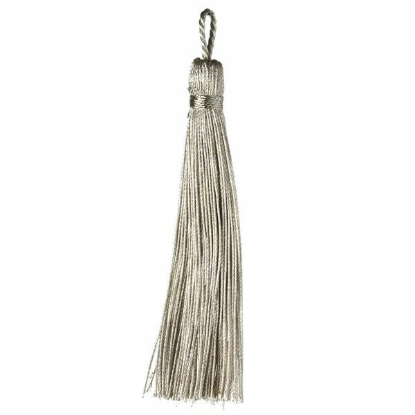 Picture of Cord Band Tassel Silver cm 10 (3,9 inch) Metallic thread and Viscose for liturgical Vestments