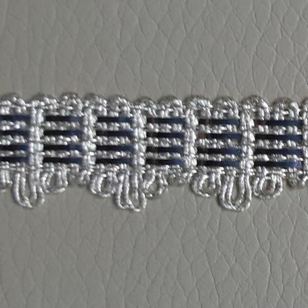 Immagine di Agremano argento 4 lame filato metallico Viscosa Orlo Bordo Passamaneria per Paramenti sacri