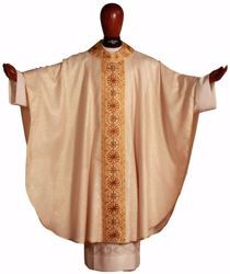Picture of Gothic Chasuble Round Collar with Embroidery Golden Orphrey and Neck in Gold Wool and Silk blend Ivory Chorus