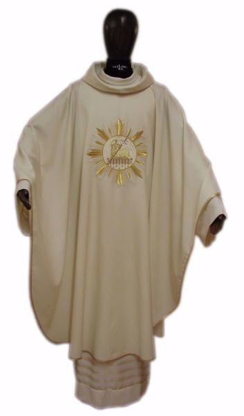 Picture of Liturgical Chasuble Embroidered Lamb Gold Rays in pure Laminated Wool Ivory Red Green Purple Chorus