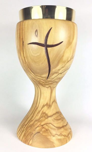 Picture of Eucharistic Chalice H. cm 20 (7,9 inch) stylized Cross in Olive Wood of Assisi
