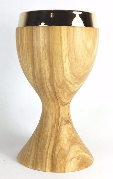 Picture of Small Eucharistic Chalice H. cm 15 (5,9 inch) smooth Finish in Olive Wood of Assisi