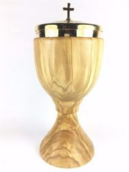Picture of Liturgical Ciborium H. cm 20 (7,9 inch) central Knot in Olive Wood of Assisi
