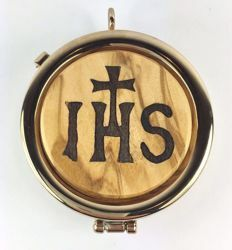 Picture of Eucharistic Pyx Sacred Hosts Vessel Diam. cm 6 (2,4 inch) IHS Symbol in Gold plated Brass and Olive Wood of Assisi