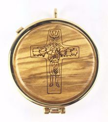 Picture of Eucharistic Pyx Sacred Hosts Vessel Diam. cm 5 (2,0 inch) the Good Shepherd in Gold plated Brass and Olive Wood of Assisi