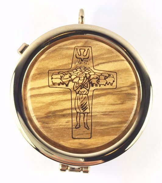 Immagine di Teca eucaristica Viatico Scatola per Ostie Diam. cm 6 (2,4 inch) Il Buon Pastore in Ottone dorato e Legno di Ulivo di Assisi