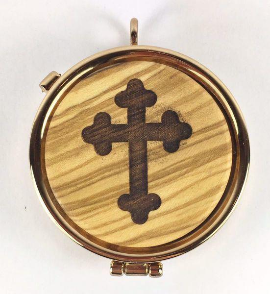 Immagine di Teca eucaristica Viatico Scatola porta Ostie Diam. cm 5 (2,0 inch) Croce stilizzata in Ottone dorato e Legno di Ulivo di Assisi