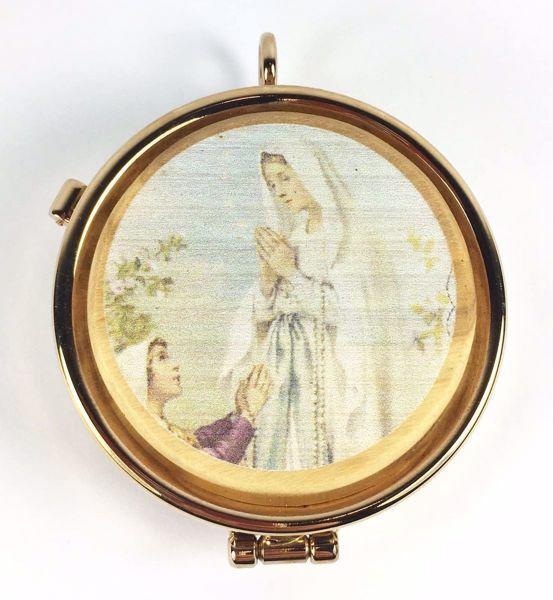 Immagine di Teca eucaristica Viatico Scatola porta Ostie Diam. cm 5 (2,0 inch) Madonna di Lourdes in Ottone dorato e Legno di Ulivo di Assisi