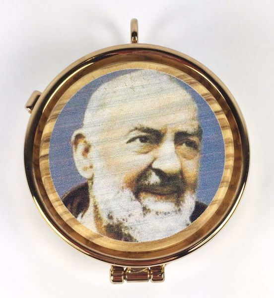 Picture of Eucharistic Pyx Hosts Box Diam. cm 5 (2,0 inch) Saint Padre Pio of Pietrelcina in Gold plated Brass and Olive Wood of Assisi